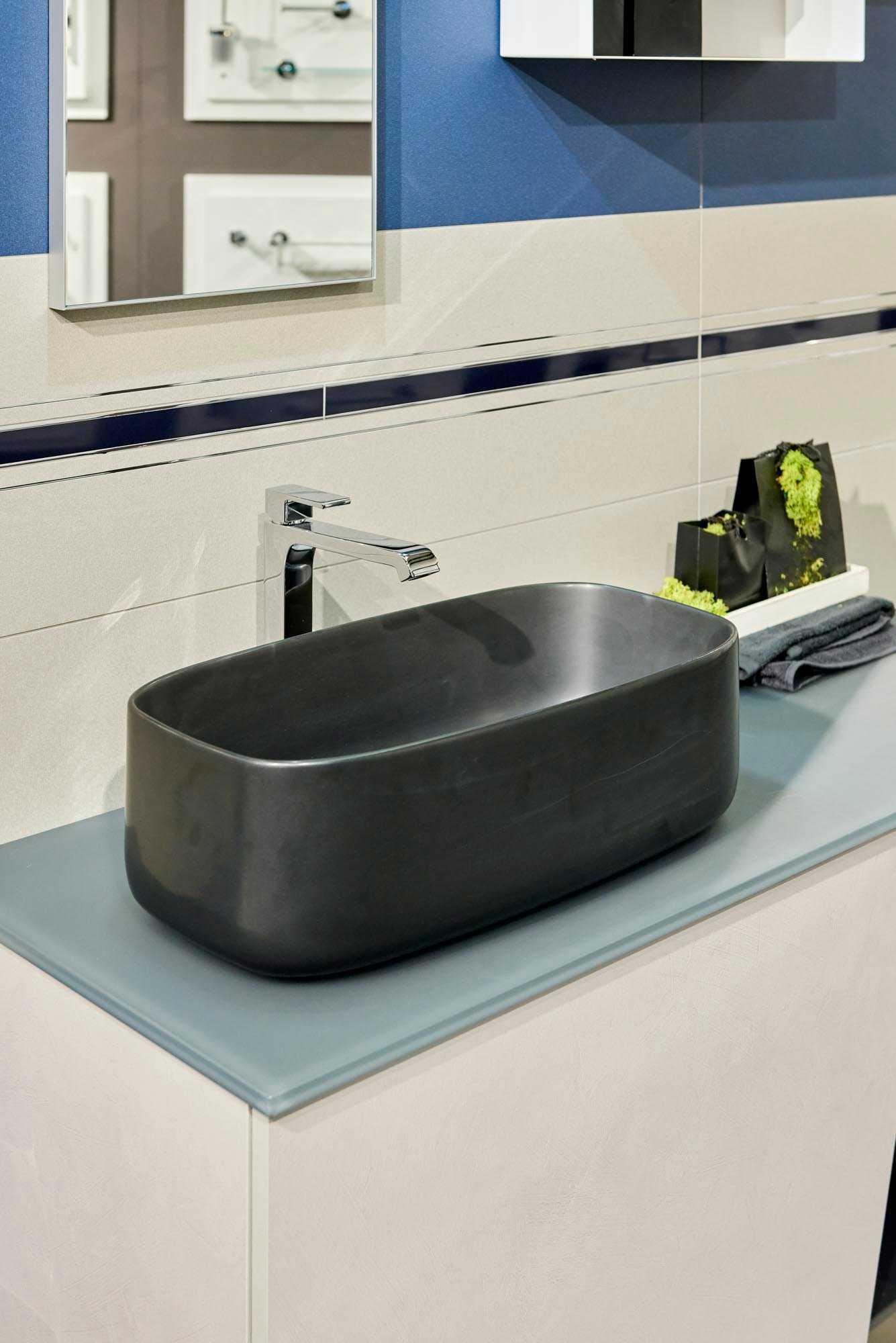 ShowRoom SVAI_rovereto_lavabo moderno appoggio