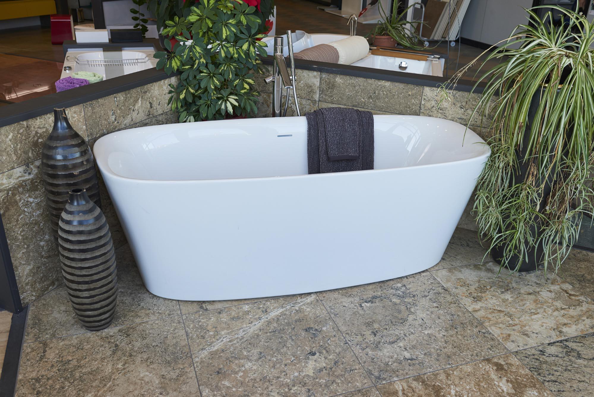 Showroom SVAI_Tassullo_vasca da bagno moderna