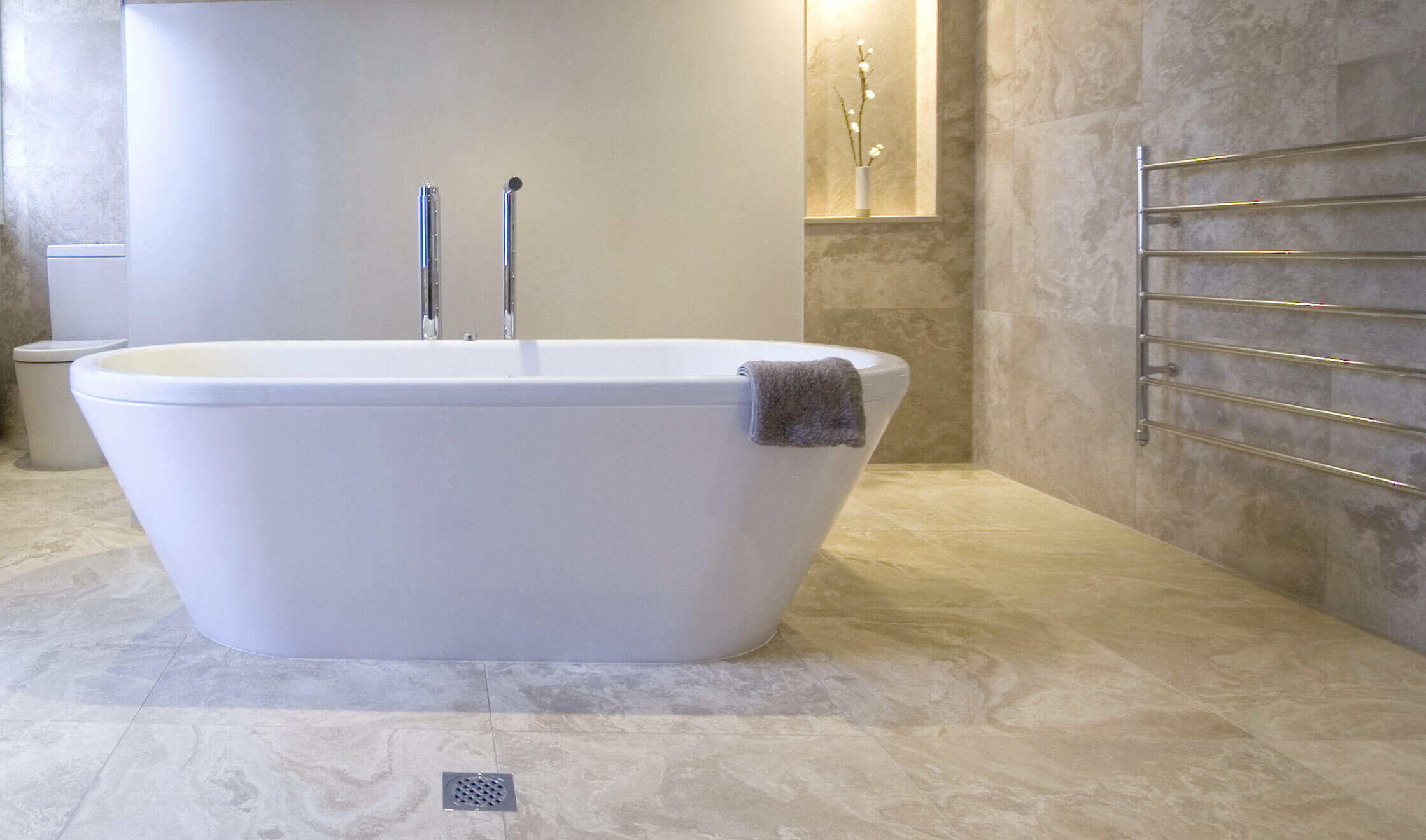 pavimenti e rivestimenti SVAI_marmo bagno moderno