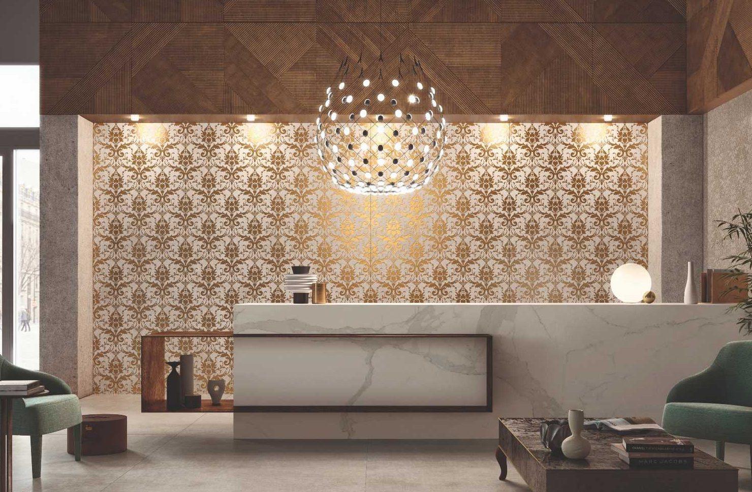 SVAI_rivestimento in kerlite oro parete cucina