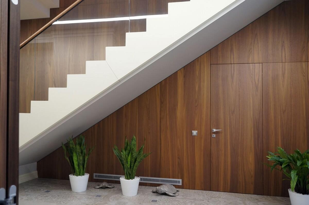 SVAI_porta interna battente filomuro moderna legno