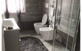 arredo bagno piccolo moderno