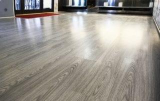 pavimenti in laminato grigio